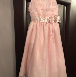 Το φόρεμα είναι απίστευτα απαλό