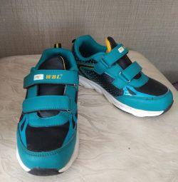 Sneakers p.34-35