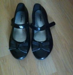 Varnish shoes 33-34r-r