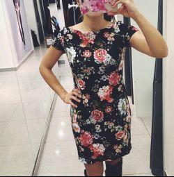 Φόρεμα r M
