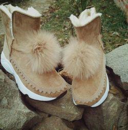 Η Ugg μπότες νέα