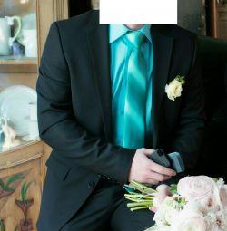 Suit, black.