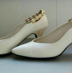 Туфлі білі рр 36