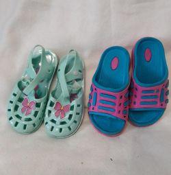 Шлепки и сандали