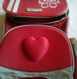 Школьный рюкзак, с ортопедической спинкой,новый