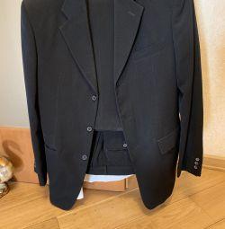 Erkek takım elbise Peplos gömlek ve kravat ile