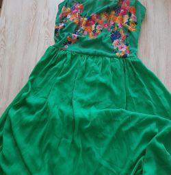 Το φόρεμα που χρησιμοποιείται 42-46