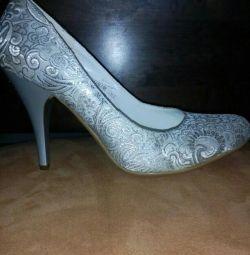 Pantofi chic de argint 37-37,5.