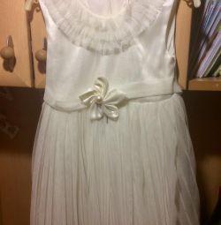 Rochie elegantă timp de 2-3 ani