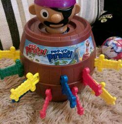 Pirat într-un butoi, baschet, elicopter, puzzle