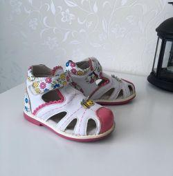 Sandale bu