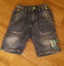 Pantaloni scurți din denim p. 98