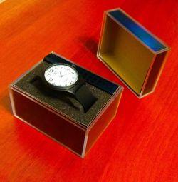 Часы наручные (кварц)