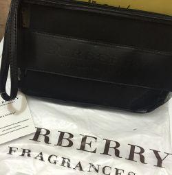 Burberry κοσμητική τσάντα