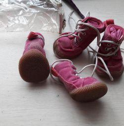 Ботиночки для маленькой собачки рр 2 б/у