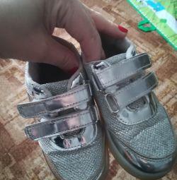 Клевые модные кроссовки