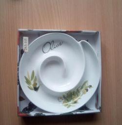 Plate for olives