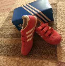 Adidas spor ayakkabı orijinal