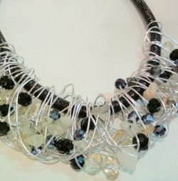 Necklace, crystal and agate inserts