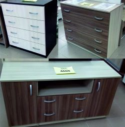 Chests of 4 and 3 drawers