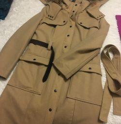 Пальто демисезонное !!!!новое!!!!