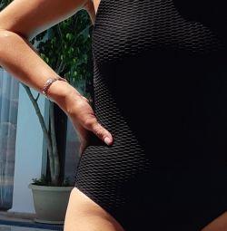 Costum de baie negru dintr-o bucată