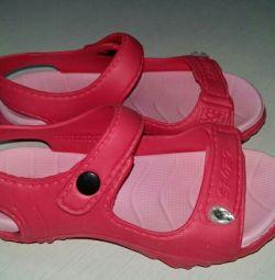 Αθλητικά πλεκτά σανδάλια για κορίτσια