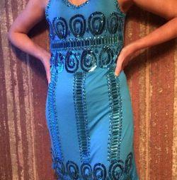 Νέο φόρεμα κεντημένο με διακοσμητικές πέτρες