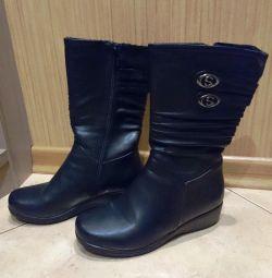 Γυναικείες χειμωνιάτικες μπότες
