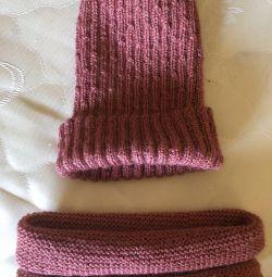 Шапка и шарфик новые на весну-осень