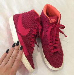 Nike Adidasi 🍓