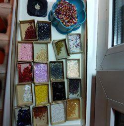 Set of beads, bugles