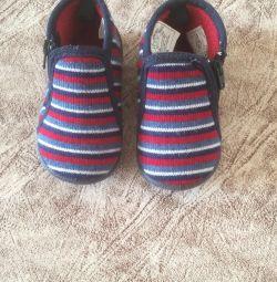 Pantofi 20r.