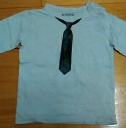 T-shirt with sleeves