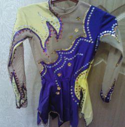 Costum pentru gimnastica ritmica