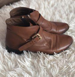 Pantofi joși