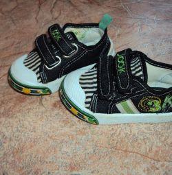 Τα αθλητικά παπούτσια τσοκ 20
