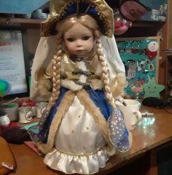Κούκλα από πορσελάνη