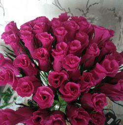 Flori de hârtie ondulate