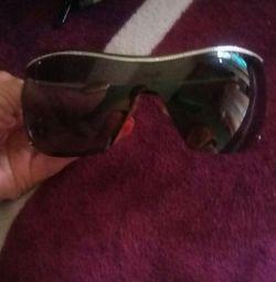 Μάρκα γυαλιά Valentino