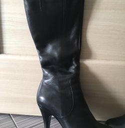 Voi vinde cizme din piele europeană