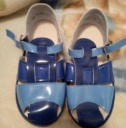 Нові сандалі для хлопчика 18см