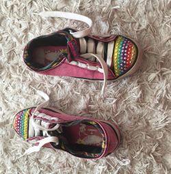 модні тапочки кросівки з запальними вогниками
