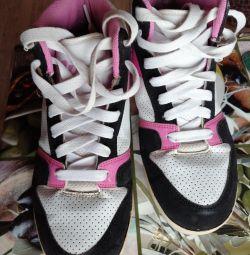 Heelys Roller Sneakers