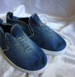 Yeni spor ayakkabı 43 rr