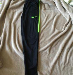 Pulover Nike noi