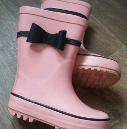 Rubber boots for the girl