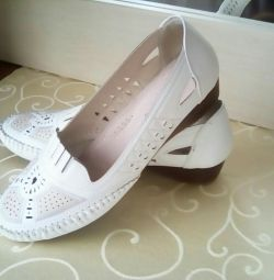 Shoes size 40