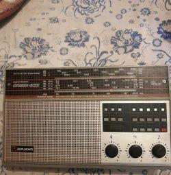 Sovyet radyo alıcısı.