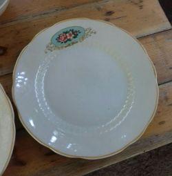 Посуда (тарелки)